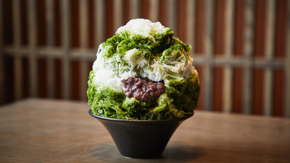 <p>Fluffy, delicious shaved ice made, carefully carved with Sakai knives.</p>
