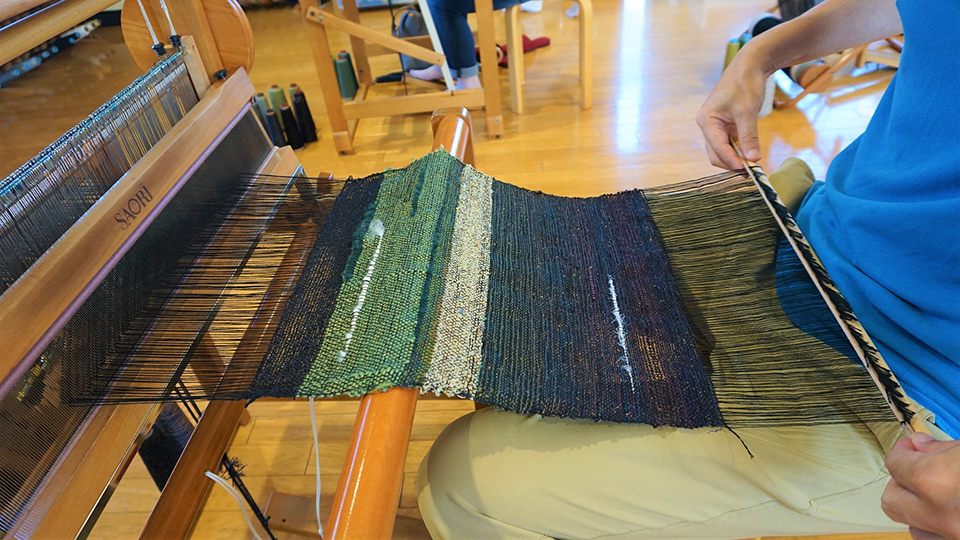 <p>Use your instincts to create whatever your heart desires with a hands-on Saori weaving experience.</p>